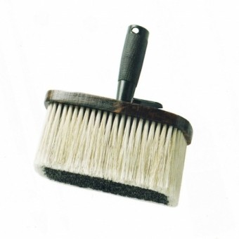 BROSSE A TAPPISSER
